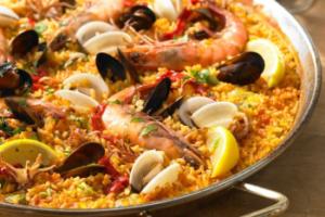 Plutôt paella, fideua ou arroz negro ?